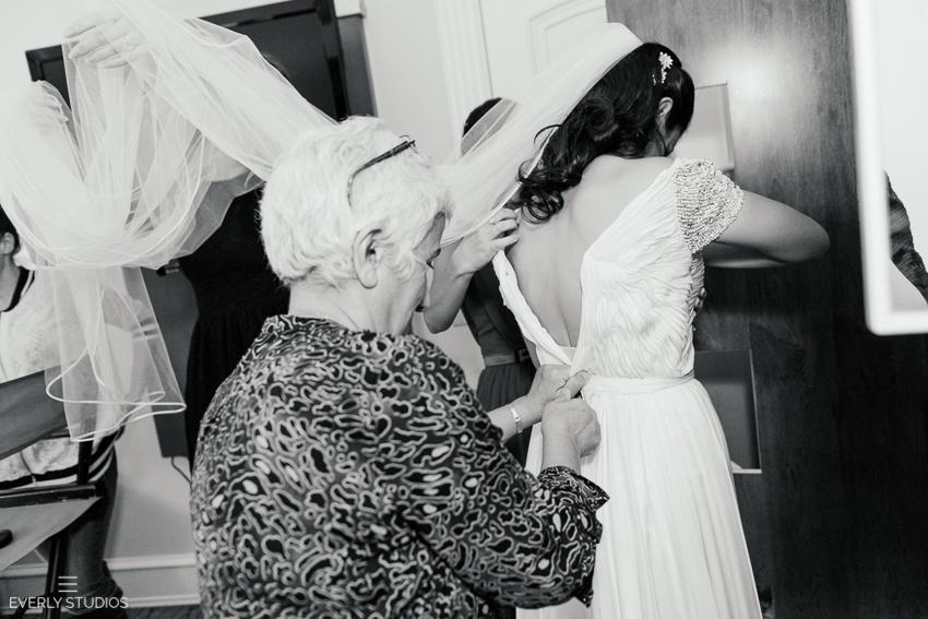 Midtown Loft and Terrace wedding photography. Photos by New York wedding photographer Everly Studios, www.everlystudios.com